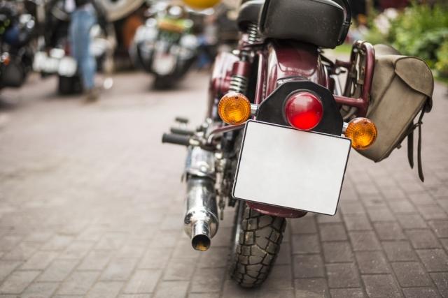 【意外と知らない!】バイクのナンバープレートの色と種類を解説します!