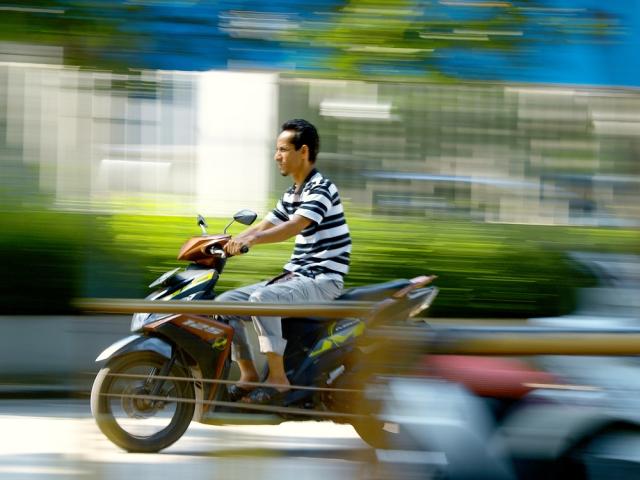 【NO!】バイクでノーヘル走行は事故に!罰則と着用義務について解説!